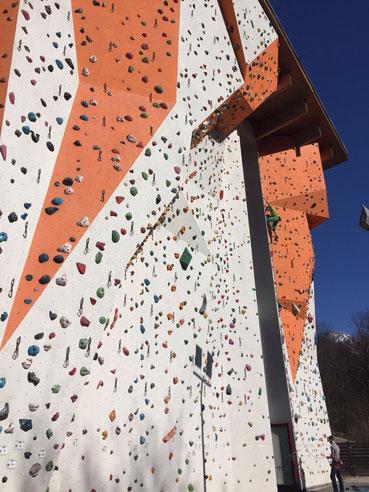 Außenkletterwand beim Kletterzentrum Berchtesgaden