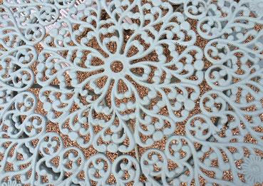 Rosaces entrelacs blanc métal