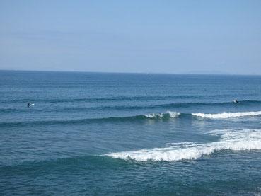 今日は暖かで、海の色がキレイでした。