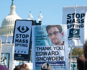 Solidaritet med Edward Snowden i Washingtion DC.
