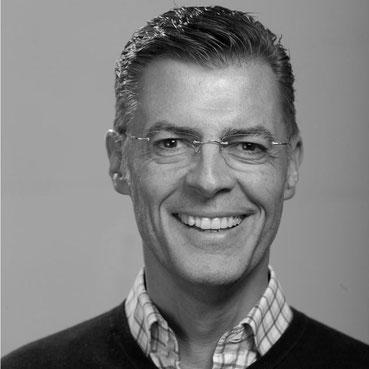 Der Immobilienmakler Matthias Pfeifer vermittelt und verkauft Immobilien im Rhein-Main-Gebiet, bietet Expansionsberatung für Einzelhandel und Gastronomie und vermittelt Gewerbeflächen