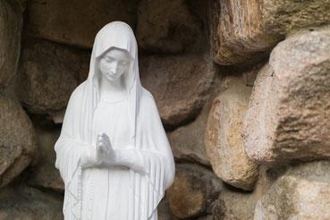 Statue der Jungfrau Maria in der Kathedrale von Busan/Südkorea
