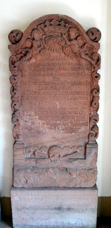 Grabstein von Conrad Künßler, Pfarrer der reformierten Gemeinde Nauheims von 1712-1735, Foto: Thomas Schwab
