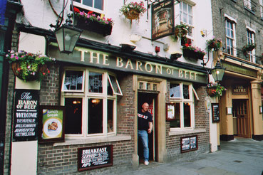 Cambridge, typische Pub-Fassade