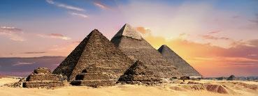 Hintergrund - Pyramiden von Gizeh - Kristalle der Wirklichkeit