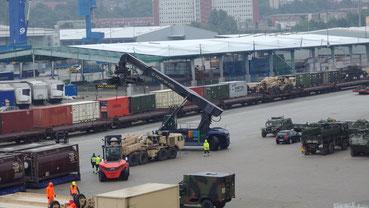 Im Kieler Fährhafen herrschte bereits reges Treiben...