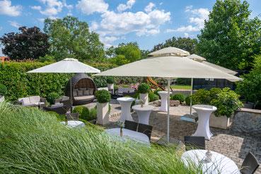 - ® Birkenhof Gols Hochzeit - Traumhafter Garten mit Spielplatz