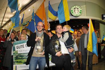 Matthias Scholz und Thomas Herker mit den LivCom-Awards