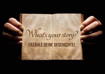 Zettel mit der Aufschrift What's your story: Erzähle Deine Geschichte!