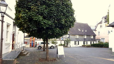 Rund um die Pfarkirche in Attendorn