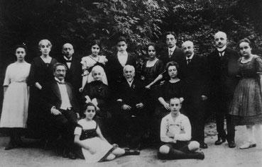 Eine historische Familienaufnahme
