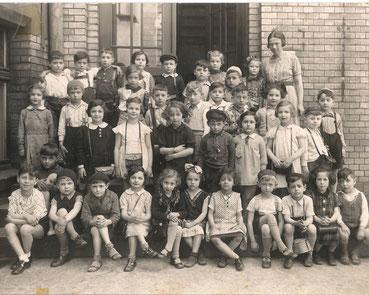 Historische Aufnahme einer Schulklasse aus dem Jahr 1938.
