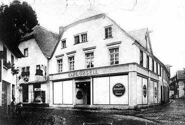 Historische Aufnahme des Kaufhauses Karl Ursell in Attendorn