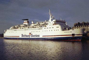 MV Duchesse Anne désarmé à Saint-Malo, amarré à son collègue MV Armorique.