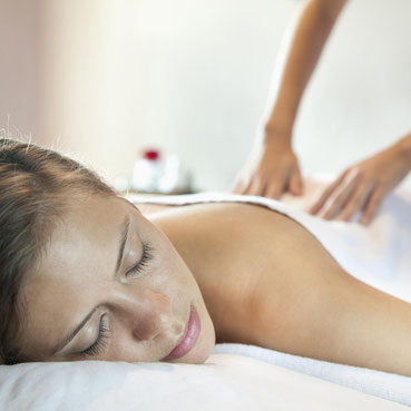 Formation au Massage Californien, centre de Formation Absolu Zen, Puy de Dôme.