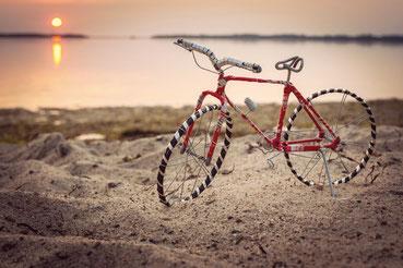Dekoration Fahrrad John an der Ostsee