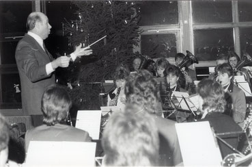Edmund Zinsmayer am Weihnachtskonzert 1985