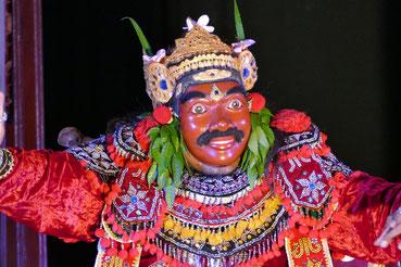 Traditioneller Tanz im Königspalast in Ubud.