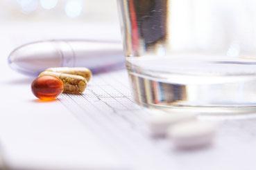 Schmerztherapie, Ohrakupunktur, Faszientherapie (FDM), Manuelle Therapie Kinesiotape