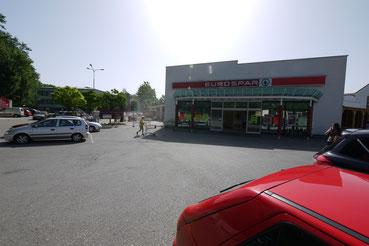 Eingangsportal des bisherigen EUROSPAR Standorts in der Schoellerstraße
