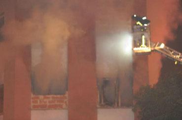 "Imagen del incendio (Imagen: Twitter ""Vikalvaro Revolución"")"