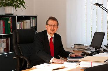 Erbrecht: vorsorgen, vererben u. erben - RA Dr. Jörn Wolter