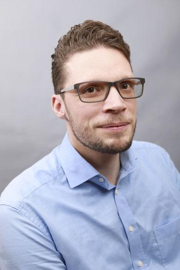 Fahrschule Simon Geiger, Fahrlehrer, Fahrschule Geiger, Fahrschule Thal, Carfahrlehrer, Schweiz, Personentransport