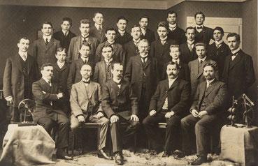 Abschlussklasse der Großherzoglichen Uhrmacherschule Furtwangen 1912