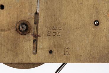 Detailfoto Signatur W&H  mit dem Zusatzbuchstaben H