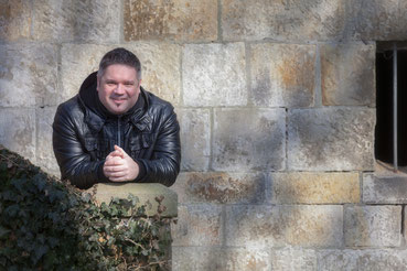 Lars Produzent Musik Text Seelenrot deutsche Popmusik melancholische Ballasen