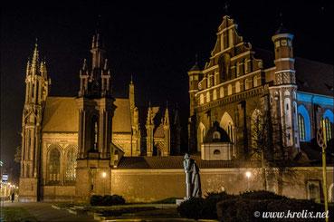 Собор Святой Анны в вечернем Вильнюсе