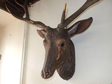 tète de cerf en bois