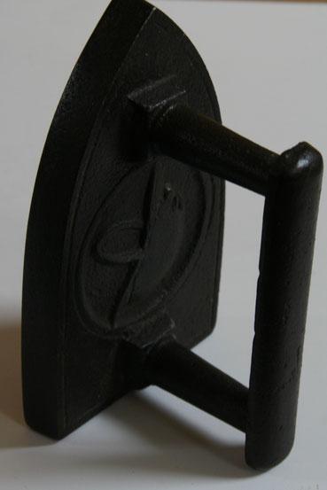 fer à repasser ancien casque adrian