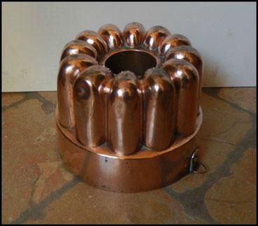 moules en cuivre .gâteaux bavarois charlotte baba