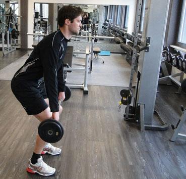 Viele Menschen trainieren regelmäßig in Sportstudios. Oder sie betreiben sonst Sport. Die Motive können ganz unterschiedlich sein.