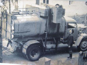 Müllwagen in den 50er Jahren