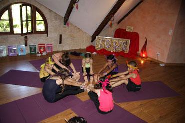 Spectacle de yoga avec Lisa et les yoginis