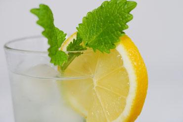 Zitronenwasser, (Hausmittel Trockene Augen/Sicca Syndrom)