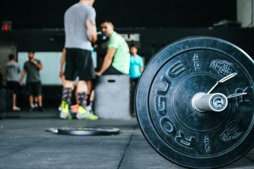 Fitness supplement eiwitten creatine aminozuren pre-workout post-workout weight gainer BCAA testosteron fatburner