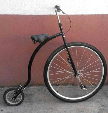 Schwarzes Hochrad Quax
