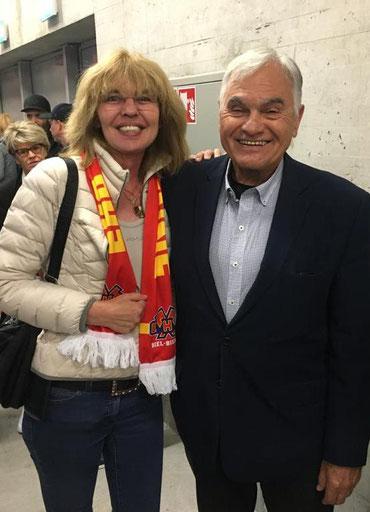 Steve Latinovich, L-Linie, Astrid Müller-Linnenberg