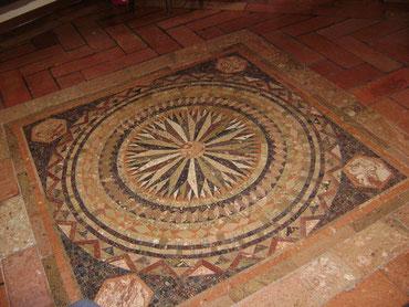 Pavimenti in cotto antico campari pavimenti cotto antico for Mosaici pavimenti interni