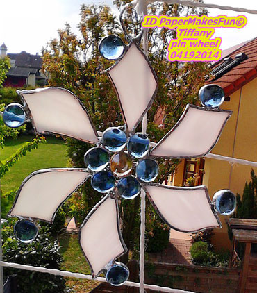 Tiffany pin wheel