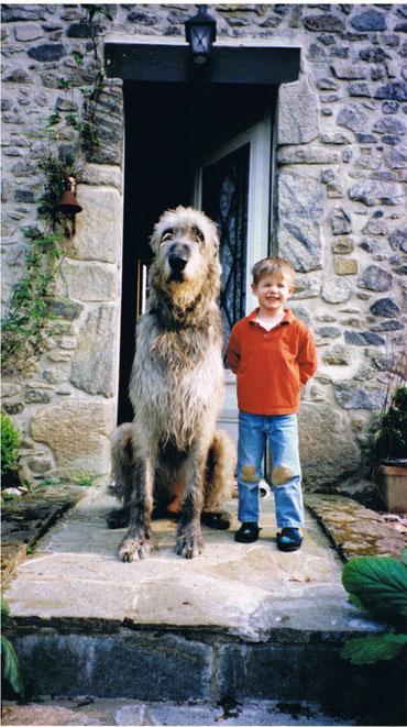 Brian und Simon vor der Haustür