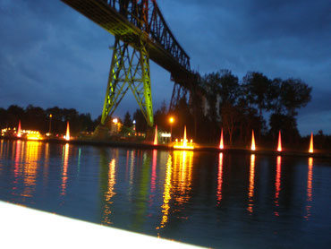 Die Hochbrücke  bei Licht
