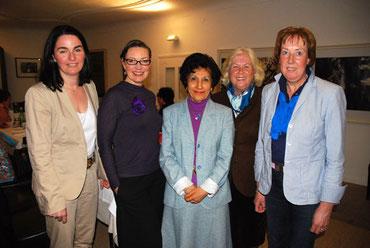 SI-Präsidentin Elke Burmeister-Haug (2.v.l.) mit der neuen Vorstandschaft: Elisabeth Hück (v.l.), Gülin Tunali, Heidi von Zeynek und Ankie Visschers