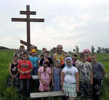 У Поклонного Креста на месте расстрела Новомученников.  Чуфаровский монастырь.