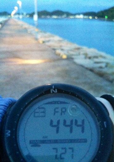 相変わらず夜釣りに行ってます。 外道なんかは釣れているんですが、やっぱアカメの道は遠いみたいです、。(汗) もはや修行と言うか試練のような、。 4:44てのは、釣りはじめじゃなく納竿した時刻です。