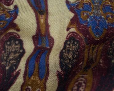Herrenschal braun mit Muster
