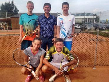 U16 Mannschafts-Landesmeister 2013: (hi. v. li.) Ferdinand Zittmayr jun., Mannschaftsführer Ferdinand Zittmayr sen., Julian Stöger, (vo. v. li.) Nadja Ramskogler, Gregor Ramskogler